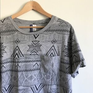 Men's Gray & Black H&M Short Sleeve Pocket Tee